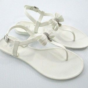 Dizzy 37 Shoes Thong Sandals T Strap White Plastic